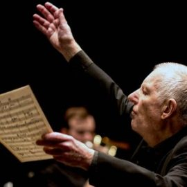 Mike Westbrook conducting